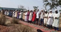 বৃষ্টি কামনা করে শ্যামনগরে নফল নামাজ আদায়