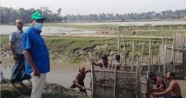 দেবহাটার সখিপুরে ইউপি চেয়ারম্যান রতনের নেতৃত্বে নেট-পাটা অপসারণ