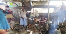 দেবহাটায় করোনায় প্রভাব পড়েছে কামার শিল্পে, ঈদে বাড়ছে কর্মব্যস্ততা