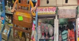 তালায় দোকান ভেঙ্গে নগদ টাকা ও মালামাল চুরি